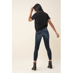 vaquero push up wonder capri con brillos salsa jeans