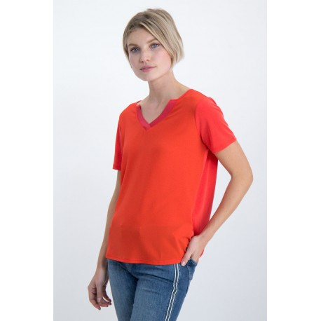camiseta poppy red  de cuello pico Garcia Jeans